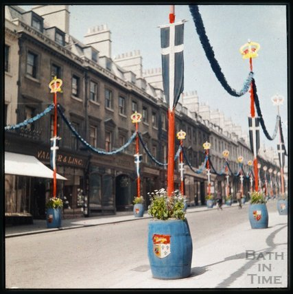 Dufaycolor view of Milsom Street, May 1937