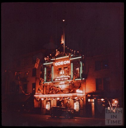 Dufaycolor view of the Odeon Southgate Street, May 1937
