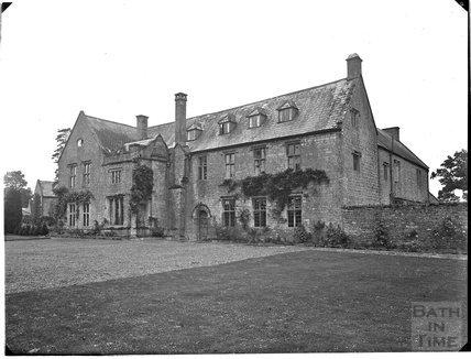Tintinhull Court House, Somerset c.1910s