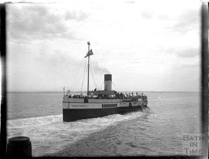 The Lorna Doone passenger steamer at Minehead 1924