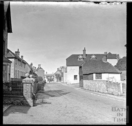 The Queens Arms, Selborne, Hampshire, c.1900
