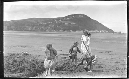The photographer's twins on the beach at Minehead 1914