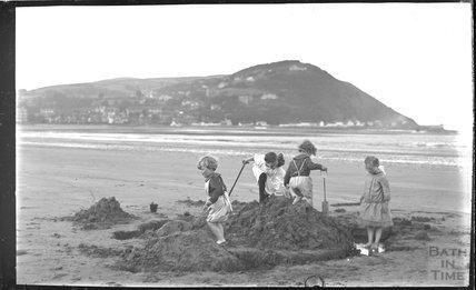 The photographer's twins on the beach at Minehead 1914