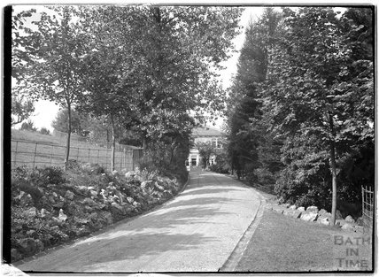 The driveway leading up to Monkton House, c.1900s