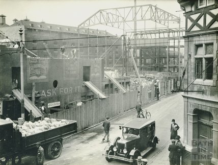 Demolition of buildings in Corn Street to build the Forum Cinema c.1933