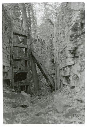 Somersetshire Coal Canal, lock chamber, Combe Hay flight of locks, 16 November 1968