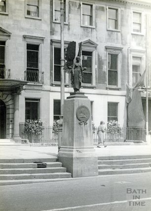 Edward VII memorial statue of Peace on original site at Edgar Buildings, c.1930s