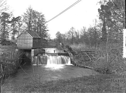 Sluice gate and hut, unidentified location, c.1920s