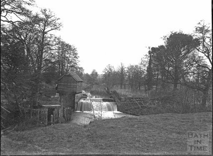 Sluice gate and hut, unknown location, c.1900s