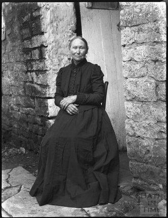 Portrait of an unidentified woman, c.1900s