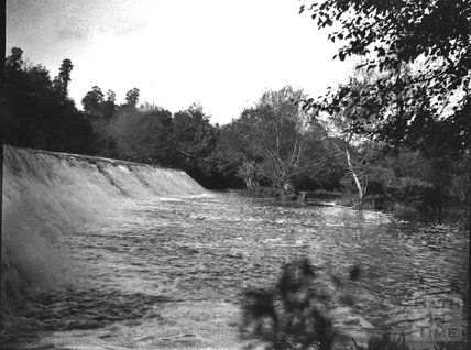 Weir in unidentified location, c.1900s