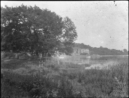 Unidentified riverside location, c.1900s