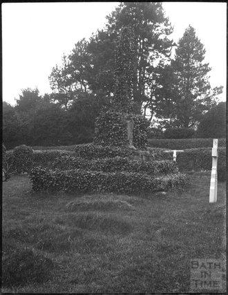 Unidentified churchyard cross, c.1900s