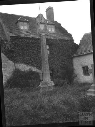 Churchyard cross at St Sampson, Cricklade, c.1900s