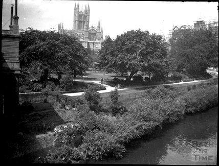 Parade Gardens and the Abbey, circa 1900