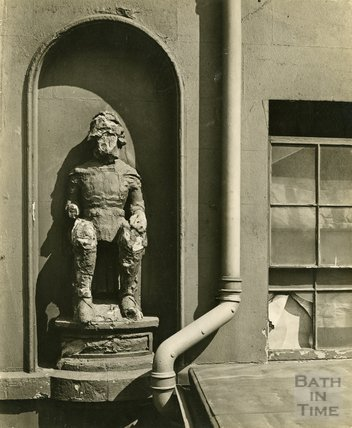 Statue of King Edward III, c.1950s