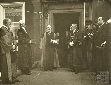 Dr. H.T. Warren unveiling tablet to William Wordsworth, 1914