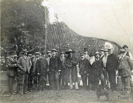 Balloon ascent at Sydney Gardens, 10 September 1902