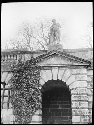 Statue and Alcove, thought to be Prior Park, c.1905