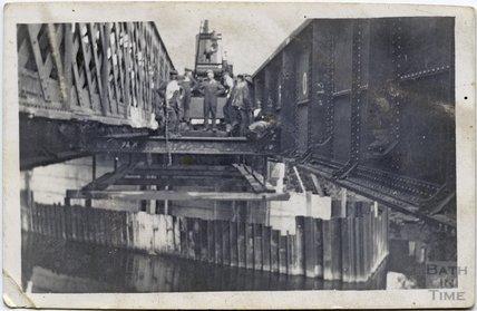 The refurbishment of the Midland Railway bridge, c.1920s