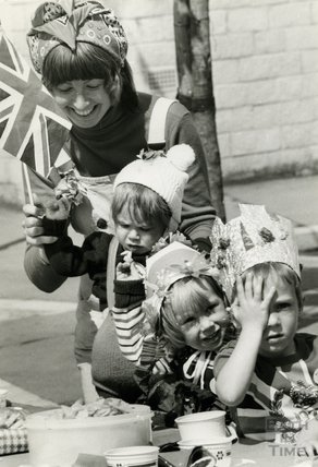 A Silver Jubilee Street Party in King George's Road, Twerton, Bath, 13 June 1977