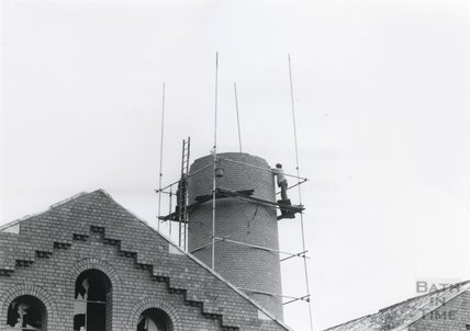 Dismantling the chimney of Bath's gasworks, 11 August 1980