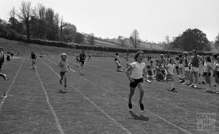 Neil Muspratt wins the junior relay for St Johns Primary School, Midsomer Norton, 25 June 1976