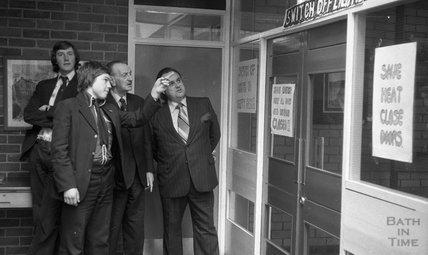 The Avon Watchdog Committee look around Somervale School in Midsomer Norton, March 31 1976