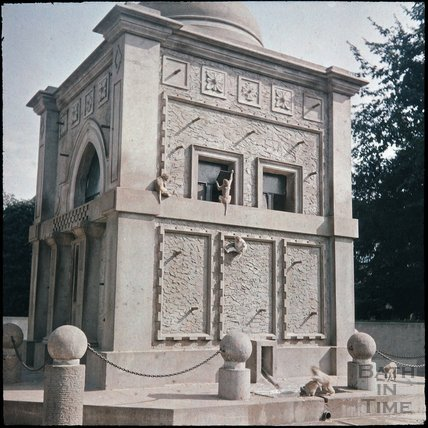 The newly built Monkey House at Bristol Zoo, Clifton, Bristol, 1937?
