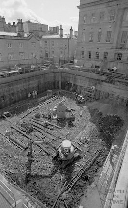 Shuttering and concreting the main Thermae Bath Spa site, 23 April 2001