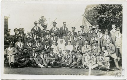 Group photograph, Bath War Hospital, Combe Park, Bath c.1916