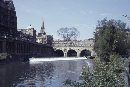 Pulteney Bridge and the old weir, 1964