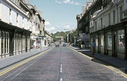 Pulteney Bridge looking towards Argyle Street, 1971
