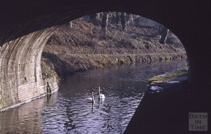 Kennet and Avon Canal, underneath Cleveland House, Bath 1973