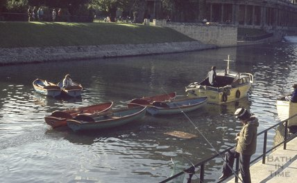 Pleasure boats on the River Avon, Pulteney Weir, 1974