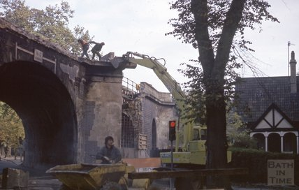 Demolishing Brunel's Railway Bridge, Pulteney Road, 1974