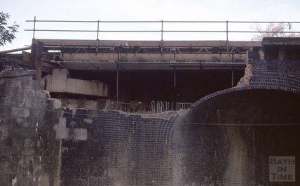 Demolishing Brunel's Railway Bridge, Pulteney Road, 1974