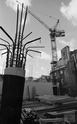 Reinforcing steel and a part cast supporting column at the construction site of Thermae Bath Spa, 20 September 2001