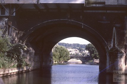 Pulteney Bridge from the rear, June 1979