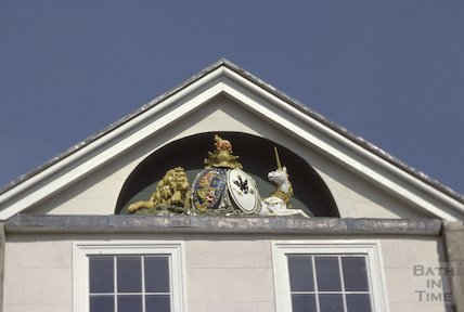Pediment over Crooks, June 1980