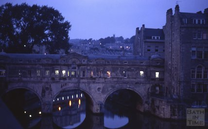 Pulteney Bridge floodlit at dusk, Apr 1981