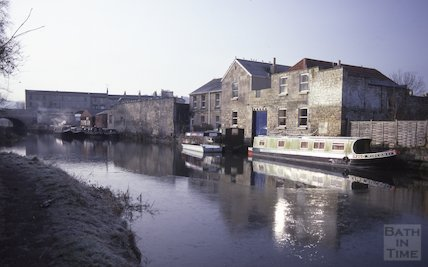 Sydney Wharf, Kennet and Avon Canal, Bath March 1986