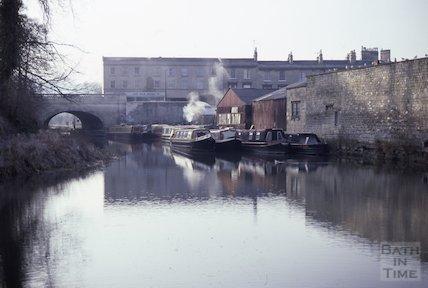Sydney Wharf, Kennet and Avon Canal, Bath March 1986