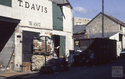 Milk Street, 1990