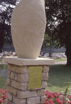 Britain in Bloom trophy, 1991
