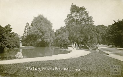 The lake, Victoria Park, Bath, c.1916