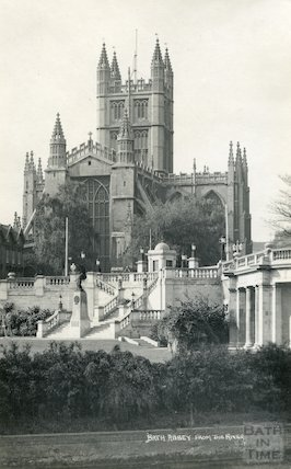 Postcard of Bath Abbey from river showing Parade Gardens, c.1920s