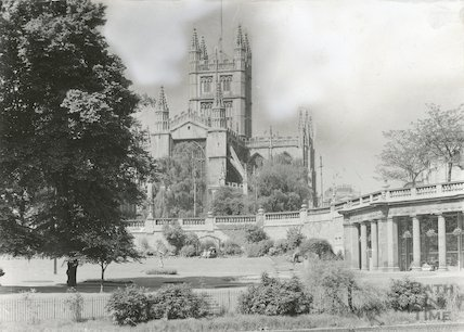 View of Bath Abbey from Institution Gardens (now Parade Gardens), c.1900