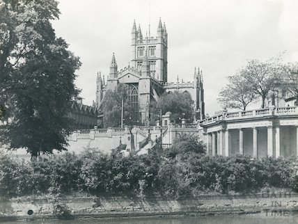 View of Bath Abbey from river showing Parade Gardens, c.1890