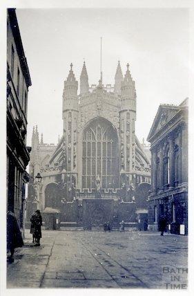 Bath Abbey west front 1945